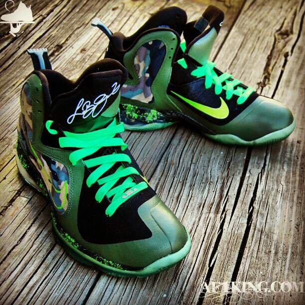 Custom King's Army LeBron 9 Hollow Swoosh