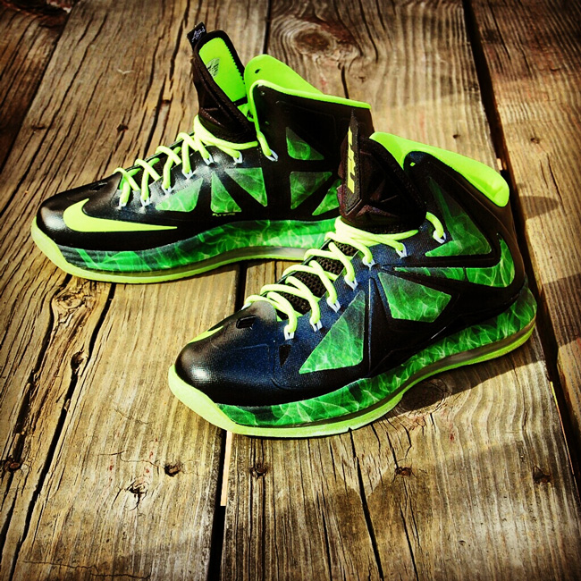 "uk availability d1331 9b4b7 Custom LeBron X (10) ""ParaNorman"" by GourmetKickz"