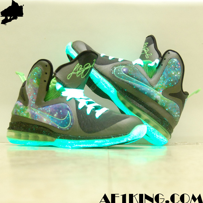 "Custom LeBron 9 ""SpaceMan"" aka ""Dunkin on the Galaxy Man ..."
